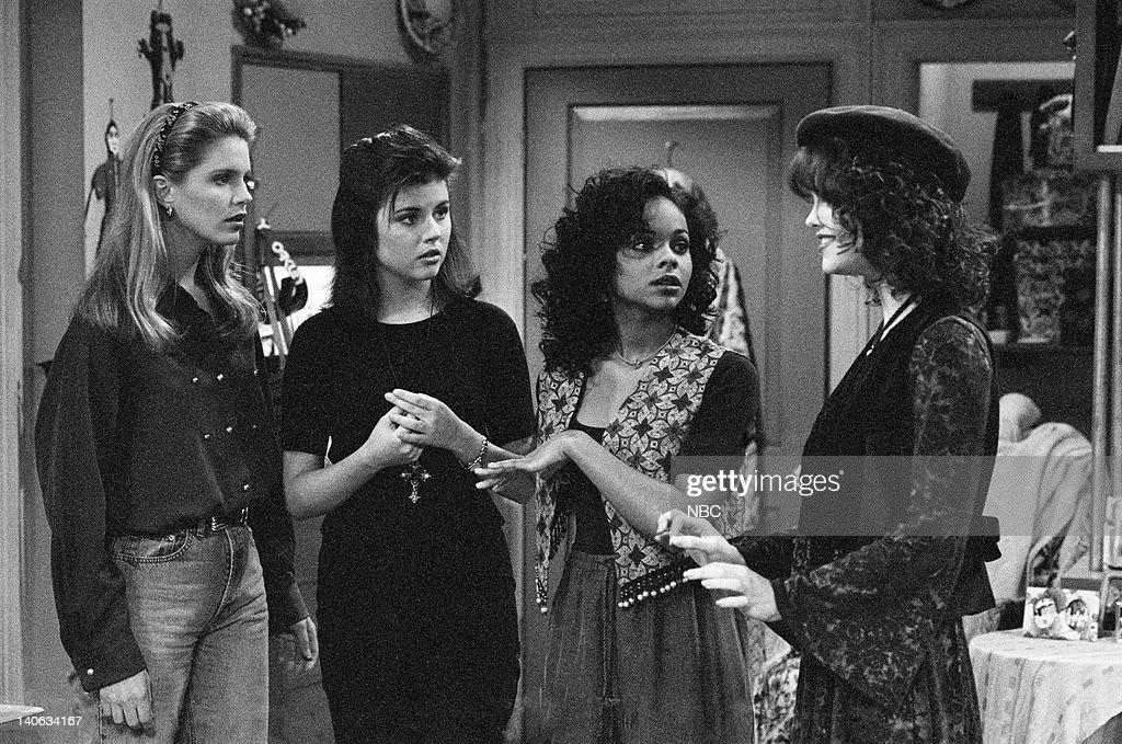 YEARS 'Wedding Plans' Episode 19 Air Date Pictured Anne Tremko as Leslie Burke Tiffani Thiessen as Kelly Kapowski Lark Voorhies as Lisa Turtle...