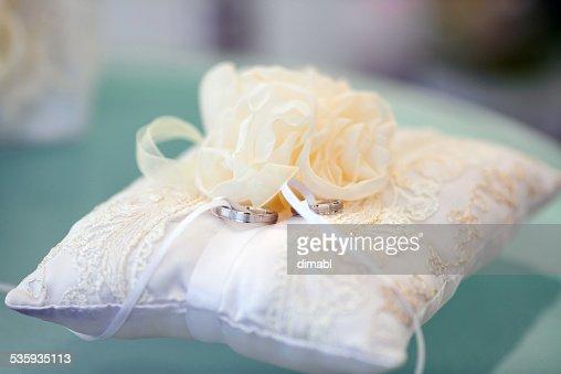 Wedding rings : Stock Photo