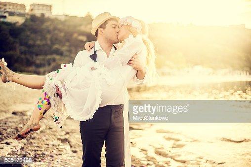 Wedding romance at the beach