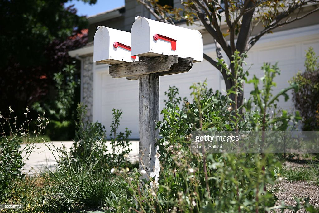 Weeds grow next to a set of mailboxes in front of a foreclosed home May 7, 2009 in Antioch, California. A study of government data on subprime loans by the Center for Public Integrity showed that 56 percent of the $1.38 trillion in subprime mortgages originated from 15 lenders in California between 2005 and 2007.