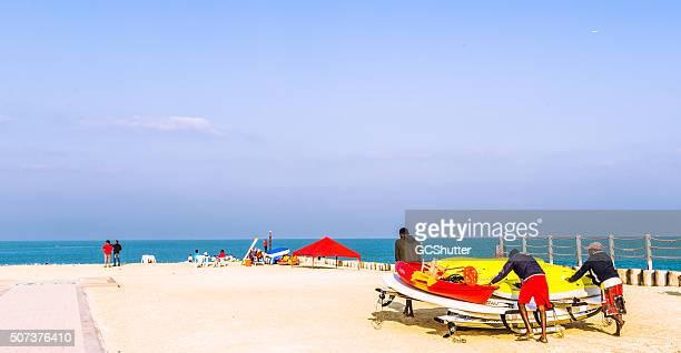週末には、「オープンビーチ、ドバイ、アラブ首長国連邦