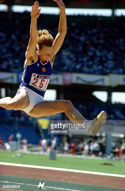 Heike Drechsler im Sprung sie wird Zweite September 1988