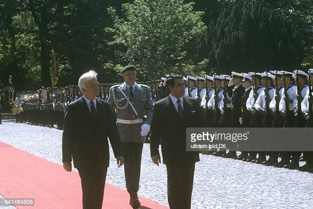 Weizsaecker Richard von *Politiker DBuergermeister von Berlin 19811984Bundespraesident 19841994 mit Zine El Abidine Ben Ali Staatspraesident Tunesien...