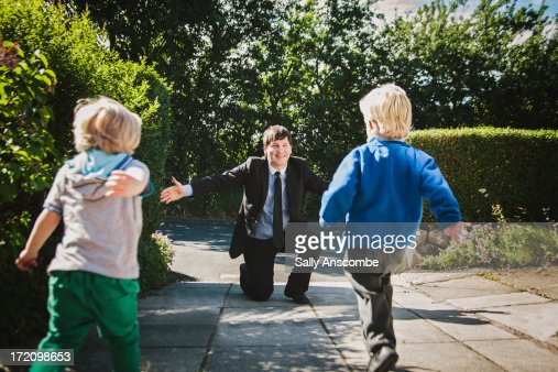 Welcome home Daddy : Stock Photo