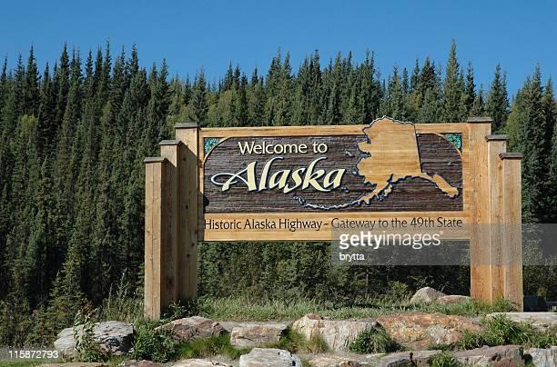 Willkommen-panel auf dem Alaska Highway im Alaska-Grenze