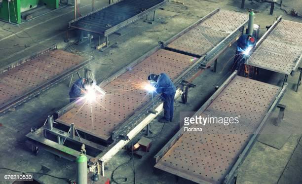 Welding huge steel structure