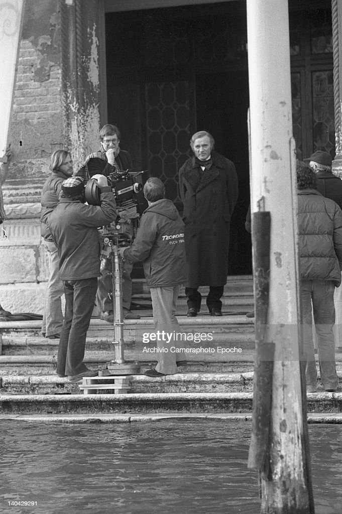 Welsh actor <a gi-track='captionPersonalityLinkClicked' href=/galleries/search?phrase=Richard+Burton&family=editorial&specificpeople=175918 ng-click='$event.stopPropagation()'>Richard Burton</a> on the Wagner movie set, Venice, 1983.