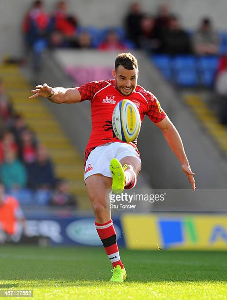 Welsh player Olly Barkley in action during the Aviva Premiership match between London Welsh and Newcastle Falcons at Kassam Stadium on October 11...