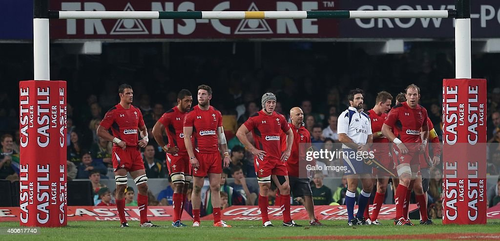 Welsh players after a South African try during the Incoming Tour match between South Africa and Wales at Growthpoint Kings Park on June 14, 2014 in Durban, South Africa.