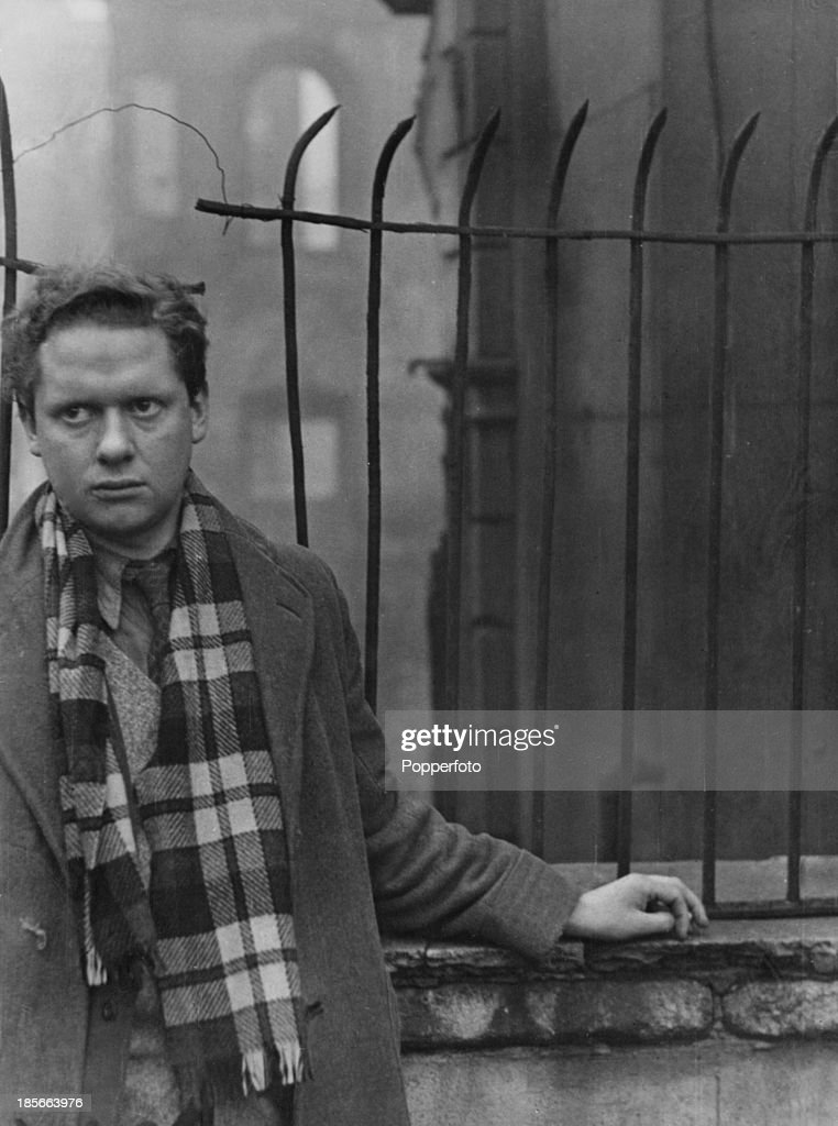 short biography dylan marlais thomas Dylan thomas (1914-1953) remains one of the legendary figures in 20th century poetry, both for the impact of his visionary, musical verse, and for the notoriety of his private life.