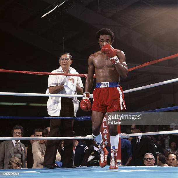 Sugar Ray Leonard in corner with trainer Angelo Dundee during fight vs Augustin Estrada at Sports Pavilion of Caesars Palace Las Vegas NV CREDIT Neil...