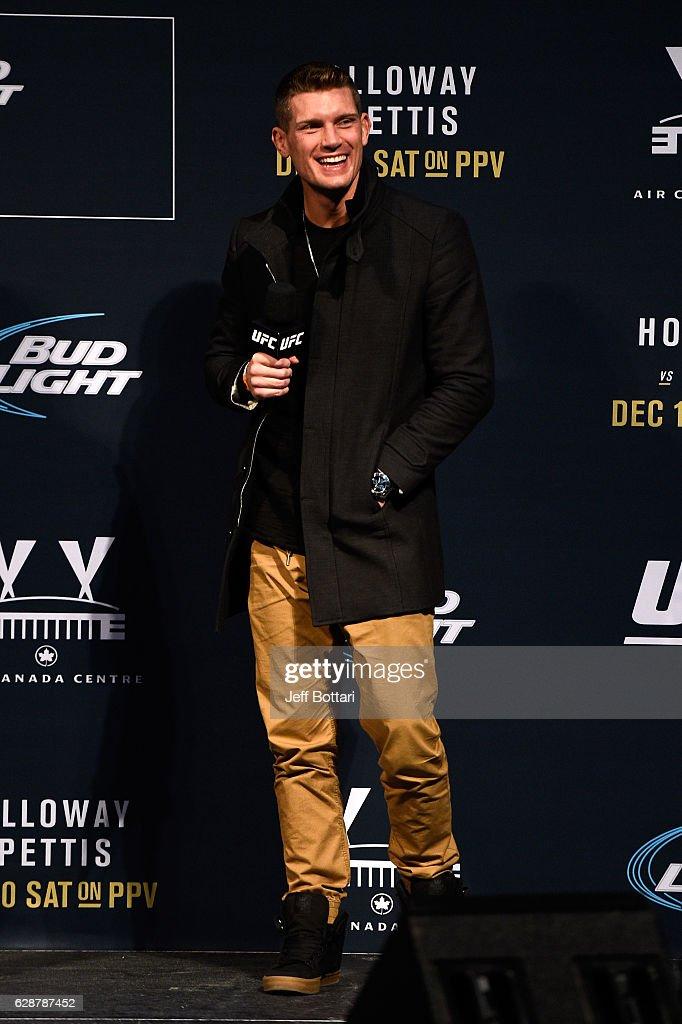 UFC 206: Weigh-ins