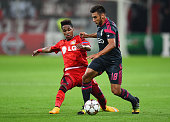 Wendell of Bayer Leverkusen and Eduardo Salvio of Benfica compete for the ball during the UEFA Champions League Group C match between Bayer 04...