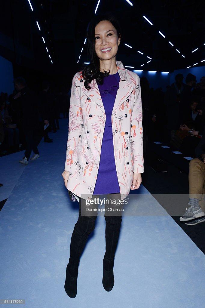 Giambattista Valli : Front Row- Paris Fashion Week Womenswear Fall/Winter 2016/2017