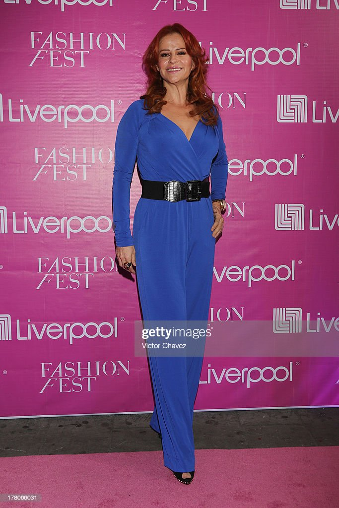 Wendy de los Cobos attends the Liverpool Fashion Fest Autumn/Winter 2013 at Club de Banqueros on August 22, 2013 in Mexico City, Mexico.