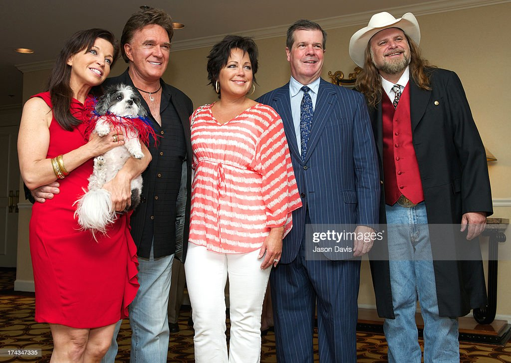 Wendy Diamond, TG Sheppard, Kelly Lang, Mayor Karl Dean and Cartoonist Guy Gilchrist attend attend the AnimalFair.com Bark Breakfast Benefiting K9s For Warriors at the Loews Vanderbilt Hotel on July 24, 2013 in Nashville, Tennessee.