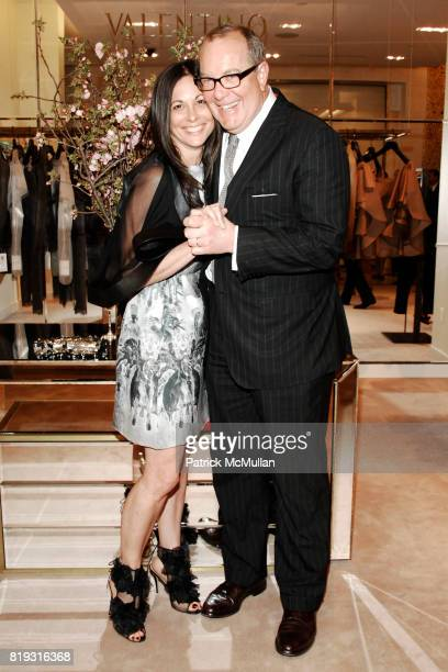 Wendy Kahn and Ron Frasch attend SAKS FIFTH AVENUE VALENTINO Host a Dinner to benefit SAVE VENICE at Saks Fifth Avenue on April 14 2010 in New York...