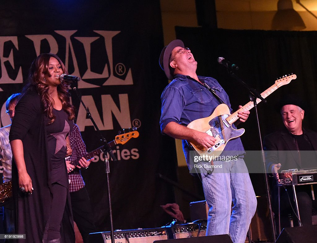 Celebrities travel just cute 2016 in focus boards sign in register - Wendy Moten And Vince Gill Performs During The 2016 Celebrity Barn Dance Benefitting Music Health Alliance