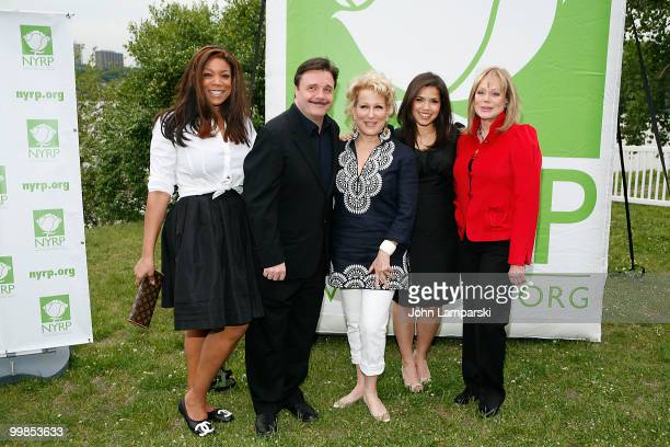 Wendy Williams Nathan Lane Bette Midler America Ferrera and Candy Spelling attend the 9th annual New York Restoration Project's Spring Picnic at Fort...