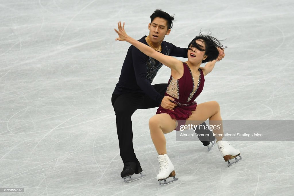 Вэньцзин Суй - Цун Хань / Wenjing SUI - Cong HAN CHN - Страница 11 Wenjing-sui-and-cong-han-of-china-compete-in-the-pairs-shrot-program-picture-id872355292