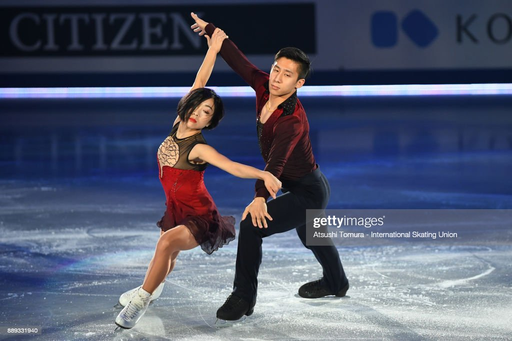 Вэньцзин Суй - Цун Хань / Wenjing SUI - Cong HAN CHN - Страница 12 Wenjing-sui-and-cong-han-of-china-perform-their-routine-in-the-gala-picture-id889331940
