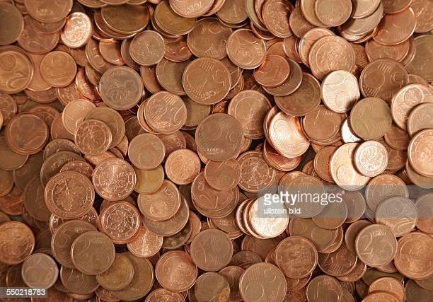 Werden CentMünzen bald abgeschafft Ein Haufen 1 2 und 5 Cent Münzen