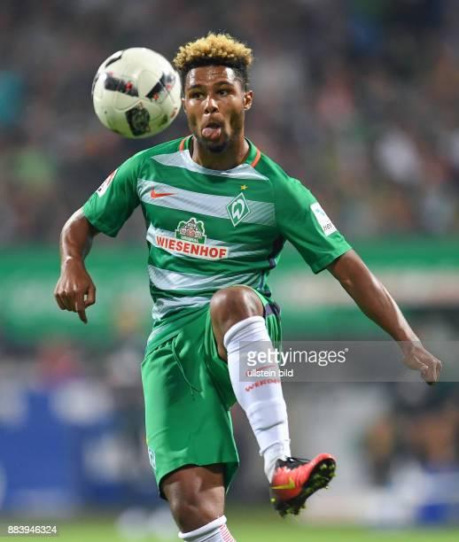 FUSSBALL 1 BUNDESLIGA SAISON SV Werder Bremen VfL Wolfsburg Serge Gnabry