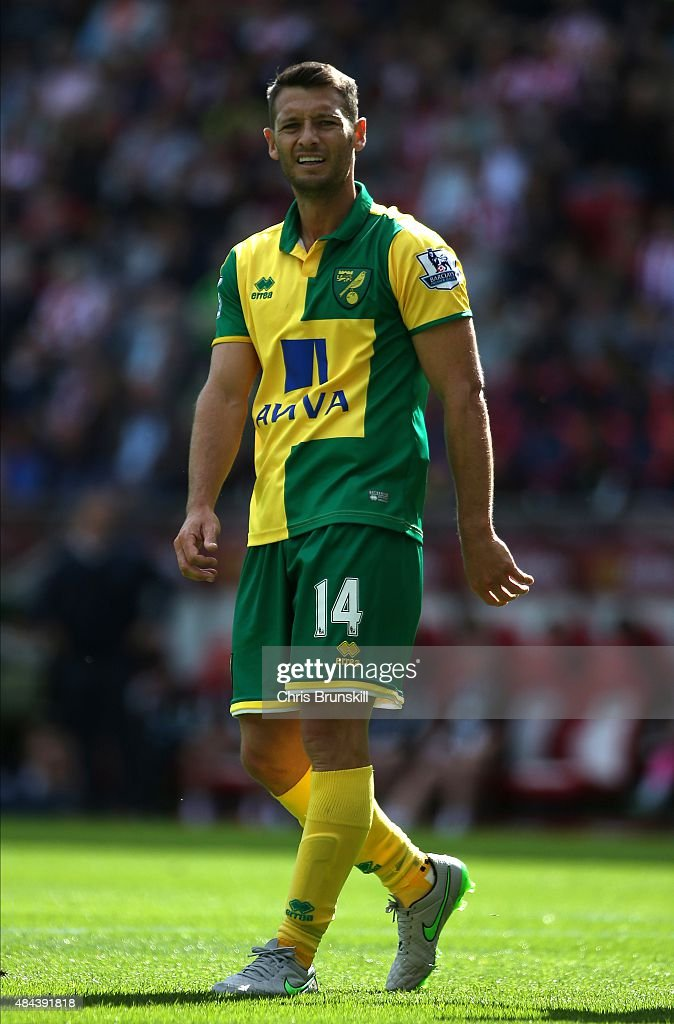 Wes Hoolahan of Norwich City looks on during the Barclays Premier League match between Sunderland and Norwich City at Stadium of Light on August 15...
