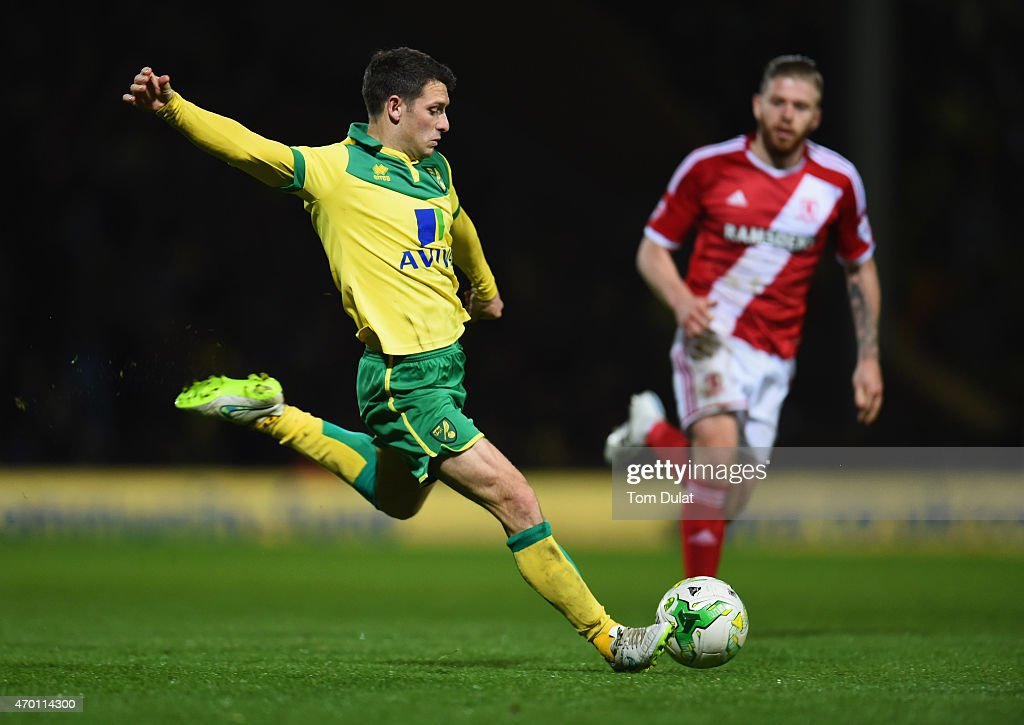Wes Hoolahan of Norwich City shoots during the Sky Bet Championship match between Norwich City and Middlesbrough at Carrow Road on April 17 2015 in...