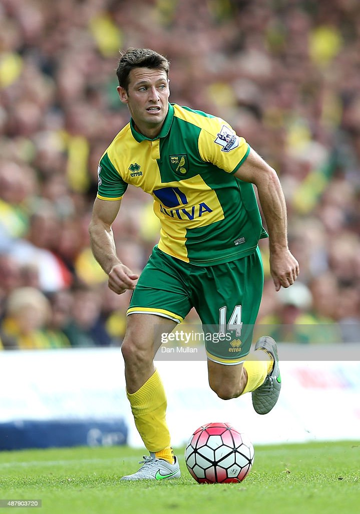 Wes Hoolahan of Norwich in action during the Barclays Premier League match between Norwich City and AFC Bournemouth at Carrow Road on September 12...