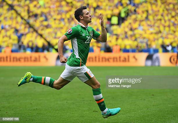 Wes Hoolahan of Republic of Ireland celebrates scoring his team's first goal during the UEFA EURO 2016 Group E match between Republic of Ireland and...