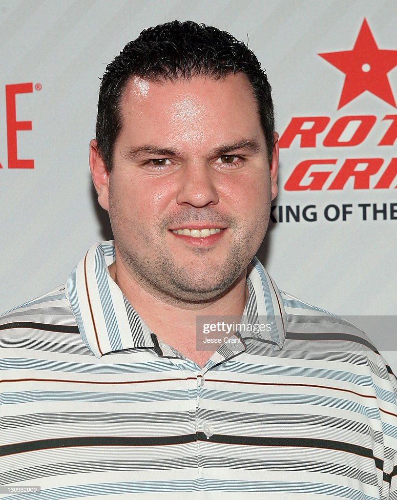 Wes Malott attends the PBA Chris Paul Celebrity Invitational Bowling Tournament at Lucky Strike Lanes at - wes-malott-attends-the-pba-chris-paul-celebrity-invitational-bowling-picture-id136932600