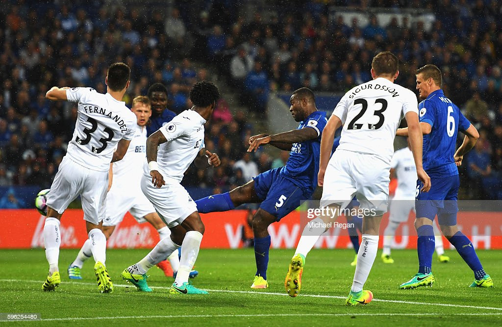 Wes Morgan of Leicester City scores his sides second goal during the Premier League match between Leicester City and Swansea City at The King Power Stadium on August 27, 2016 in Leicester, England.