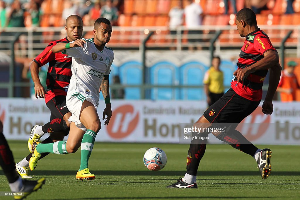 Wesley, from Palmeiras, fights for the ball during the match between Palmeiras and Sport for the Brazilian Series B 2013 at Pacaembu stadium on September 21, 2013 in Sao Paulo, Brazil.
