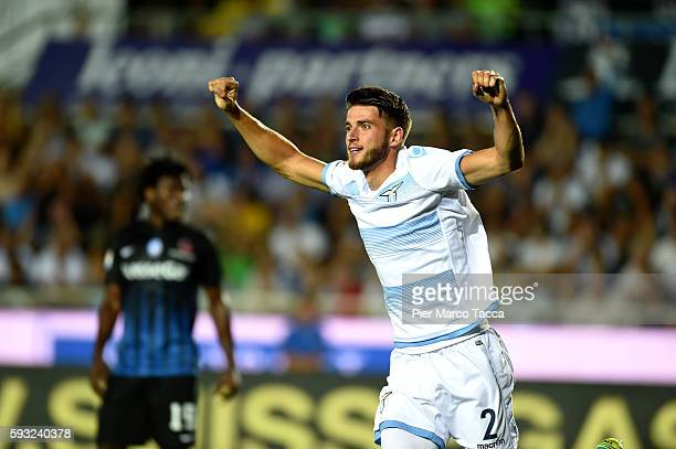 Wesley Hoedt of SS Lazio celebrates the second goal for SS Lazio during the Serie A match between Atalanta BC and SS Lazio at Stadio Atleti Azzurri...