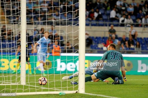 Wesley Hoedt of SS Lazio scores an own goal for the second goal for International during the Serie A match between SS Lazio and FC Internazionale at...