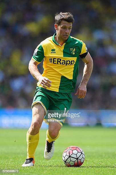 Wesley Hoolahan of Norwich City in action during the Barclays Premier League match between Norwich City and Manchester United at Carrow Road on May...