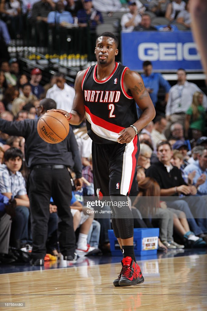 <a gi-track='captionPersonalityLinkClicked' href=/galleries/search?phrase=Wesley+Matthews&family=editorial&specificpeople=804816 ng-click='$event.stopPropagation()'>Wesley Matthews</a> #2 of the Portland Trail Blazers dribbles the ball upcourt against the Dallas Mavericks on November 5, 2012 at the American Airlines Center in Dallas, Texas.