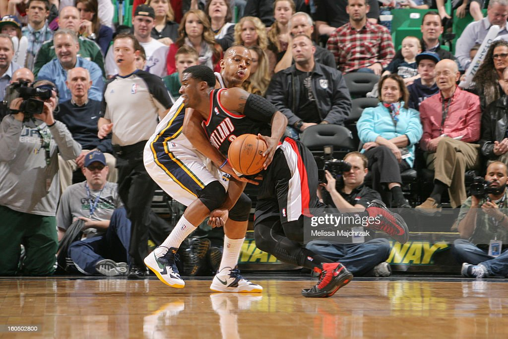 <a gi-track='captionPersonalityLinkClicked' href=/galleries/search?phrase=Wesley+Matthews+-+Basketball+Player&family=editorial&specificpeople=804816 ng-click='$event.stopPropagation()'>Wesley Matthews</a> #2 of the Portland Trail Blazers drives against <a gi-track='captionPersonalityLinkClicked' href=/galleries/search?phrase=Randy+Foye&family=editorial&specificpeople=240185 ng-click='$event.stopPropagation()'>Randy Foye</a> #8 of the Utah Jazz at Energy Solutions Arena on February 01, 2013 in Salt Lake City, Utah.