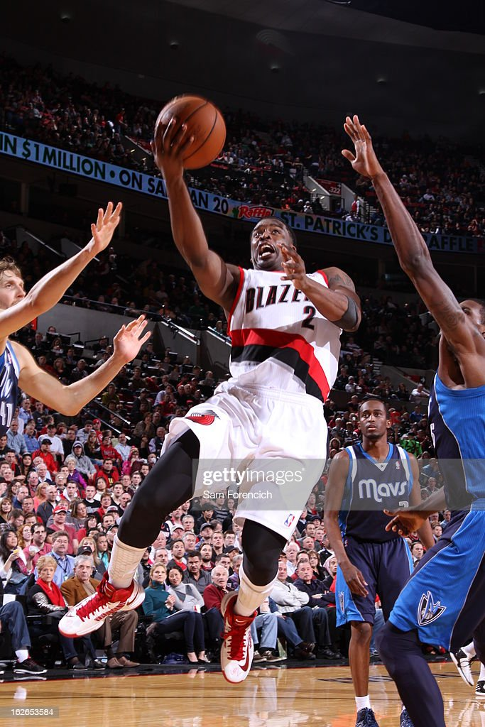 <a gi-track='captionPersonalityLinkClicked' href=/galleries/search?phrase=Wesley+Matthews+-+Basketball+Player&family=editorial&specificpeople=804816 ng-click='$event.stopPropagation()'>Wesley Matthews</a> #2 of the Portland Trail Blazers drives to the basket against the Dallas Mavericks on January 29, 2013 at the Rose Garden Arena in Portland, Oregon.