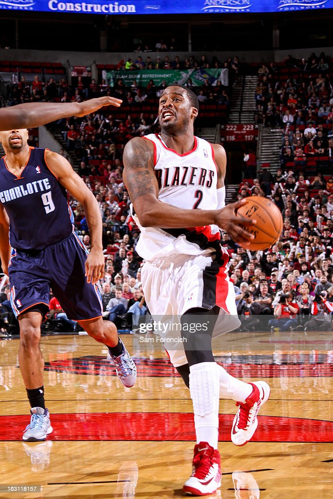 Wesley Matthews #2 of the Portland Trail Blazers drives to the basket against the Charlotte Bobcats on March 4, 2013 at the Rose Garden Arena in Portland, Oregon.