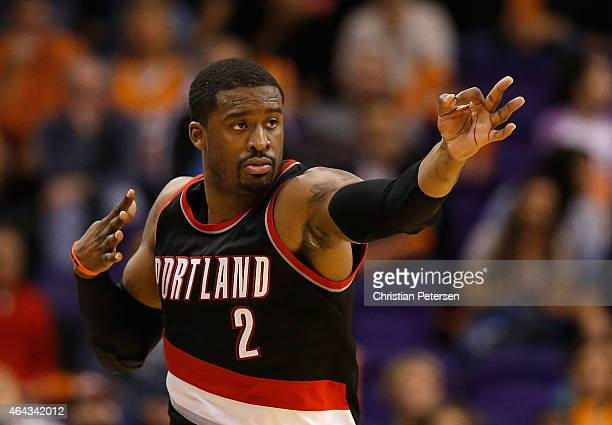 Wesley Matthews of the Portland Trail Blazers reacts during the NBA game against the Phoenix Suns at US Airways Center on January 21 2015 in Phoenix...