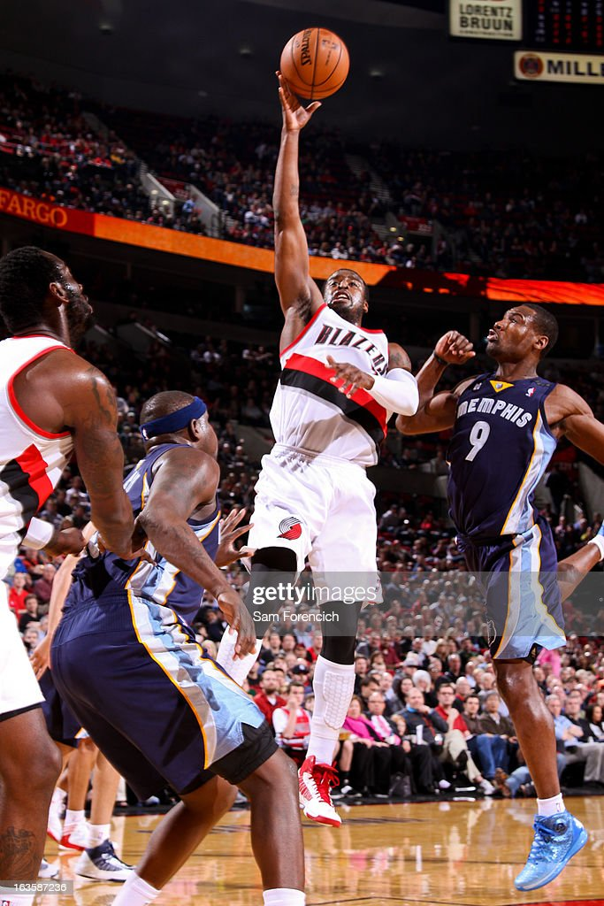 Wesley Matthews #2 of the Portland Trail Blazers shoots against Tony Allen #9 of the Memphis Grizzlies on March 12, 2013 at the Rose Garden Arena in Portland, Oregon.