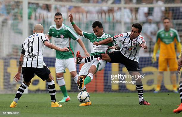 Wesley of Palmeiras fights for the ball with Anderson Martin of Corinthians during the match between Palmeiras and Corinthians for the Brazilian...