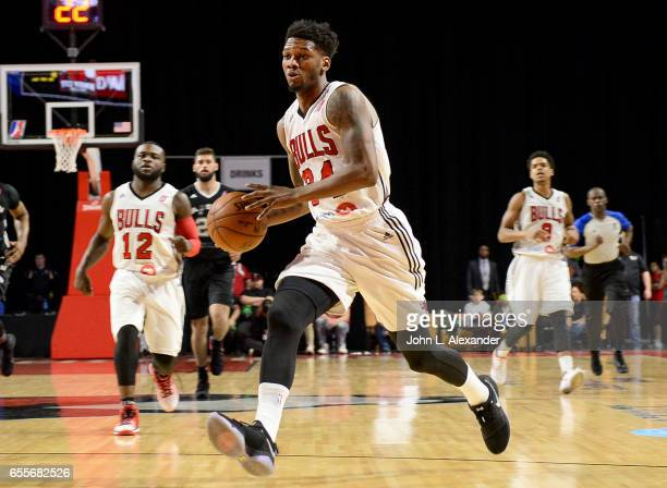 Wesley Saunders of the Windy City Bulls drives to the basket against the Austin Spurs during a NBA DLeague game on March 17 2017 at the Sears Centre...