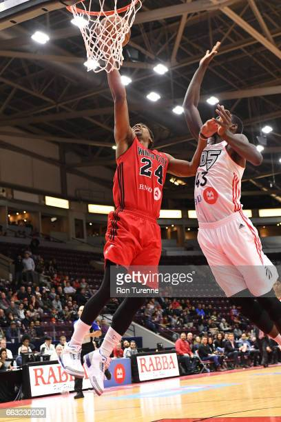 Wesley Saunders of the Windy City Bulls drives to the basket against the Raptors 905 on March 30 2017 in Mississauga Ontario Canada NOTE TO USER User...