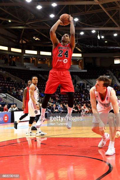Wesley Saunders of the Windy City Bulls shoots the ball against the Raptors 905 on March 30 2017 in Mississauga Ontario Canada NOTE TO USER User...