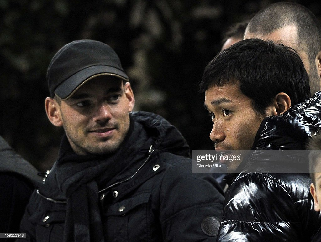 Wesley Sneijder (L) and Yuto Nagatomo of FC Inter Milan attend during the Serie A match between FC Internazionale Milano and Pescara at San Siro Stadium on January 12, 2013 in Milan, Italy.