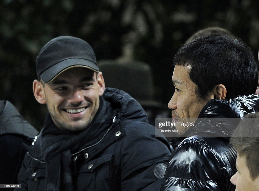 Wesley Sneijder (L) and Yuto Nagatomo of FC Inter Milan attend the Serie A match between FC Internazionale Milano and Pescara at San Siro Stadium on January 12, 2013 in Milan, Italy.