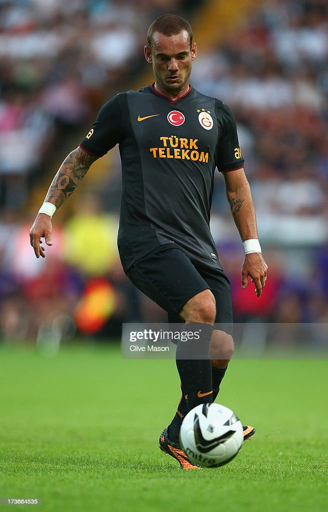 <a gi-track='captionPersonalityLinkClicked' href=/galleries/search?phrase=Wesley+Sneijder&family=editorial&specificpeople=538145 ng-click='$event.stopPropagation()'>Wesley Sneijder</a> of Galatasaray in action during the pre season friendly match between Notts County and Galatasaray at Meadow Lane on July 16, 2013 in Nottingham, England.